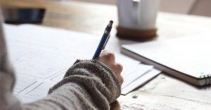 Melléknévi igeneves mellékmondatok – Participle clauses