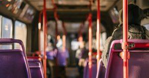 Mit dem Bus, mit dem Eisenbahn